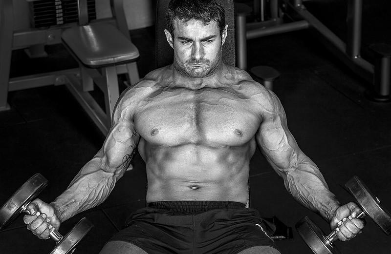 man-working-out-dbol-testosterone