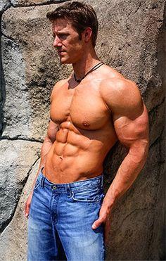 big-muscles-low-body-fat-winstrol