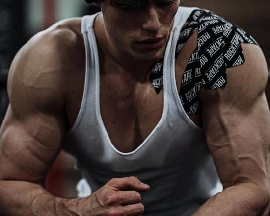 anadrol-side-effects-muscular-body
